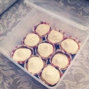 Lemon Curd Lemon Cupcakes With Cream Cheese Frosting