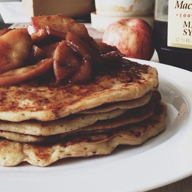 Trying something out + making the bad vibes go away #pancakes #homecooked #ironchefmuoku #apples #foodporn