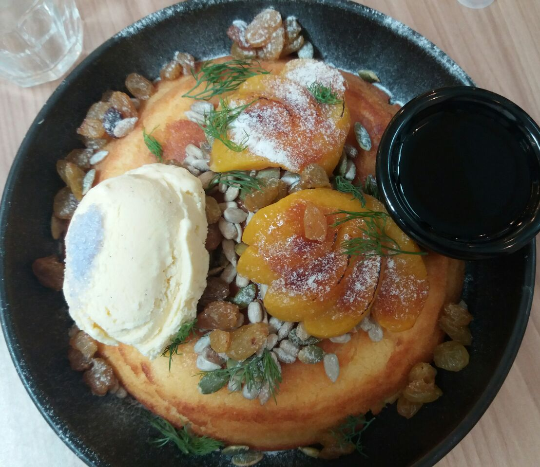 Peach Raisin Hotcake