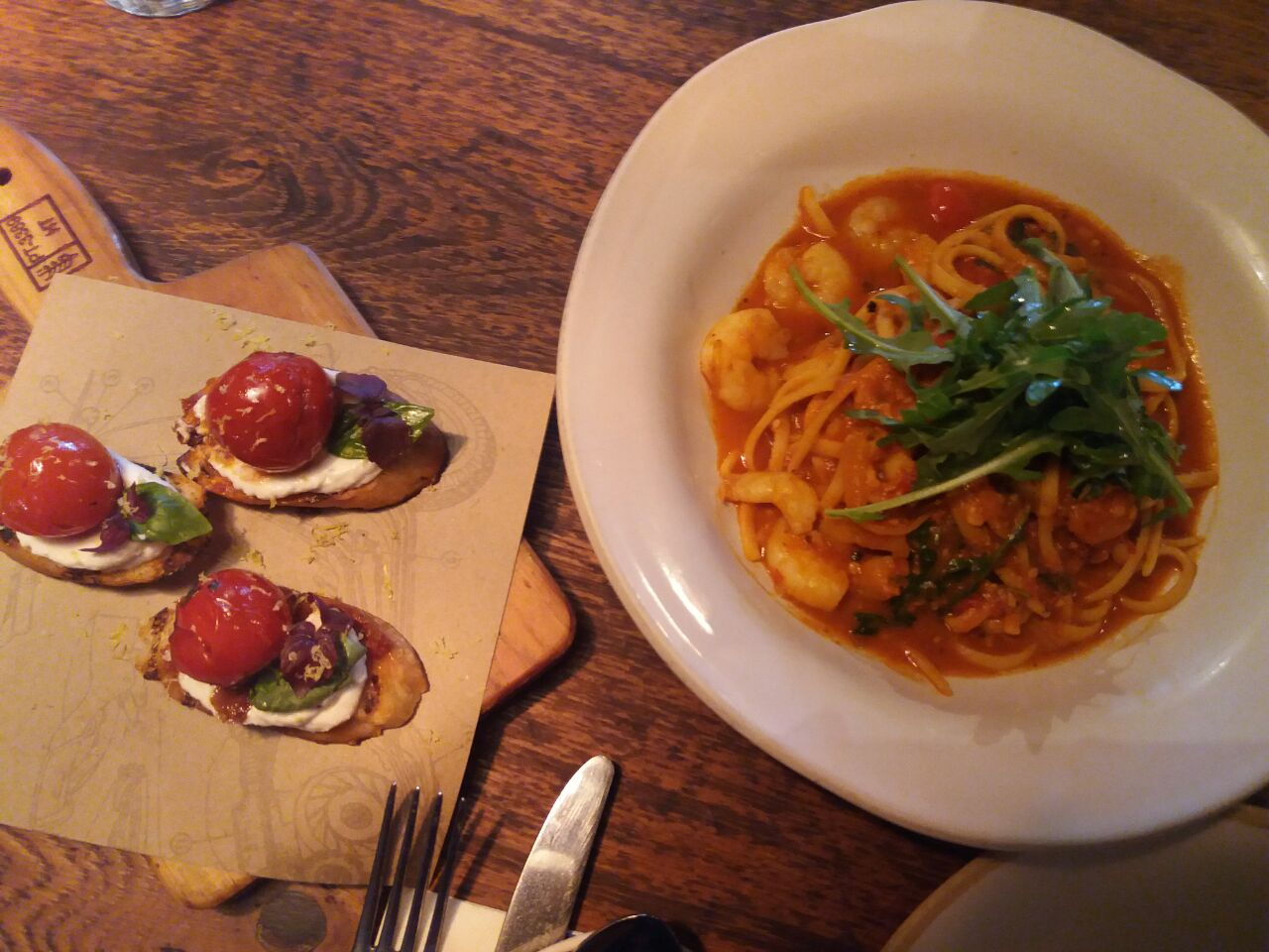 Tomato Crostini & Prawn Linguini