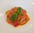 Fettuccine Pomodoro el basilisco ($28)