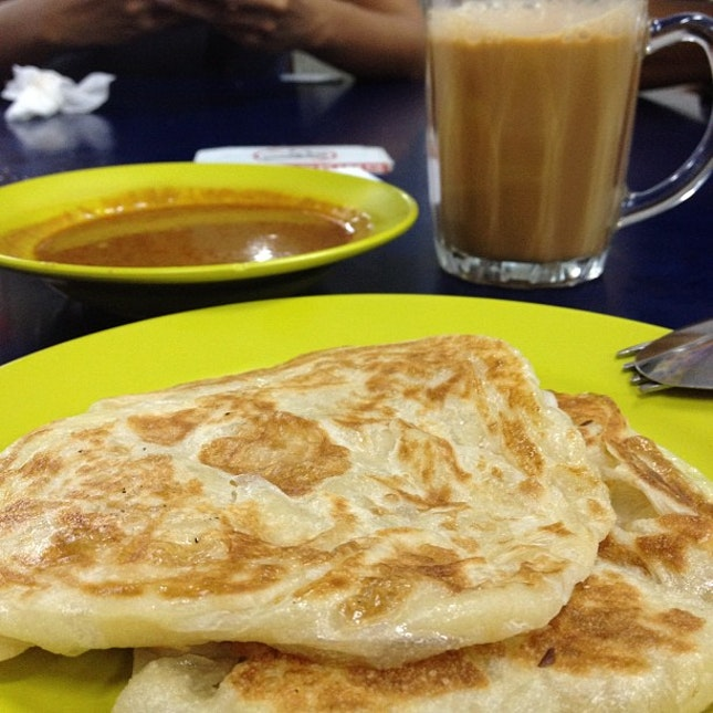 One prata is never enough as we head to another prata stall just down an across the road.