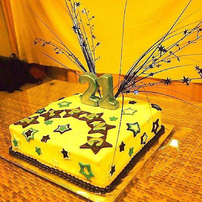 My 21st birthday cake ^.^