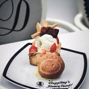 Dazzling cafe recently launched a new lucky piglet honey toast in time for the cny season!