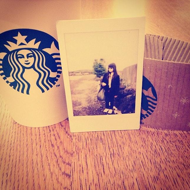 coffee starbucks polaroid girl asia winter ... (7/10)