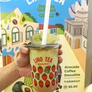 Super satisfied w my $0.59 (!!!) Liho Avocado Coffee Smoothie that I scored from Klook 😛 They have some pretty crazy good local food deals from time to time  Last day of redemption today 😳😳 heh and it came w this super cute GrabFood 1965 cup sleeve!!
