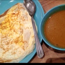 Cheese&Egg Roti Prata with Indian Curry Soup