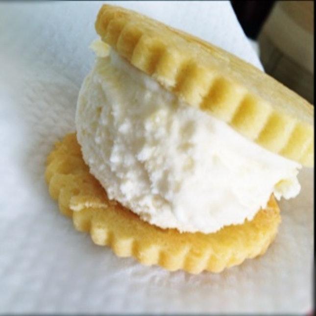 Pineapple Tart Ice Cream Cookie
