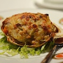 Delicious baked stuffed crab shell with crab meat, onion and mushroom!