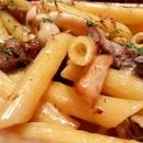 #penne #pasta wild #mushrooms #trufflesauce #trufflepasta #accorhotelsfoodfestival @accorhotels_apac @misstamchiak  #8dayseat #burpple #buzzfeast #buzzfeedfood #eeeeeats #feedfeed #foodiesg #foodphotography #foodporn #foodpornsg #foodsg #foodstagram #huffposttaste #hungrygowhere #instafood_sg #mychefstable #sgeats #sgfood #sgfoodie #sgfoodies #sgfoodporn #singaporefood #whati8today #yahoofood