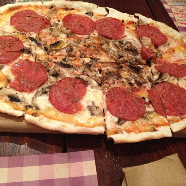 #pizza Ebira🍕🍴 #instago #instafood #instagood #food #foodlover #instagram #instaadict #instadaily #instanation #statigram #webstagram #igers #iphoneonly