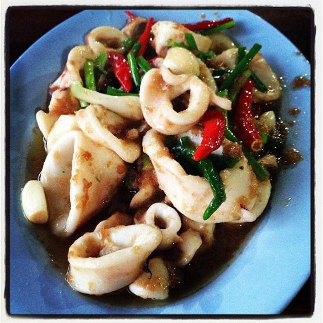 ปลาหมึกผัดกะปิ #yummy #delicious #food #foodpic #foodpix #instacool #instafood #thailand #seafood
