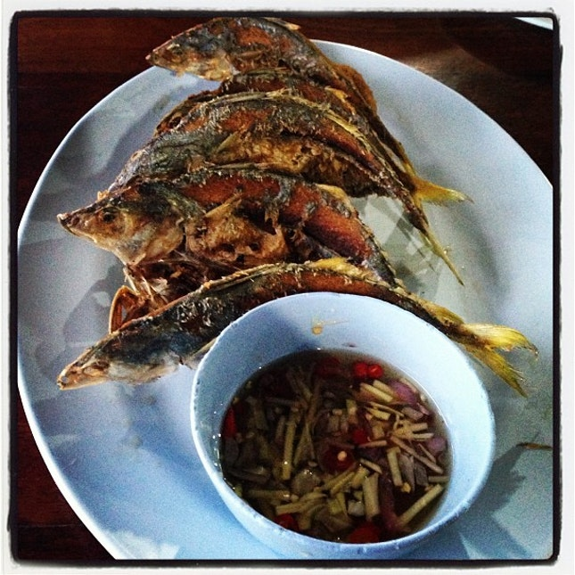 ปลาทูทอดน้ำปลา #yummy #delicious #food #foodpic #foodpix #instapic #instafood #fish #thailand