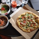 Lunch at #smokehouse #majestic #pizza #foodie #foodstagram