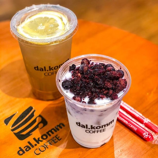 After K-drama, some K-drinks!🇰🇷 The Blueberry Cubes reminded me of a healthy yogurt drink.