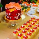 @GoodwoodParkHotelSG's Spring Blossom Cake.