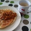 #breakfast is ready made #rotiprata and #karisotong smlm with #hazelnutcoffee Jemput ..