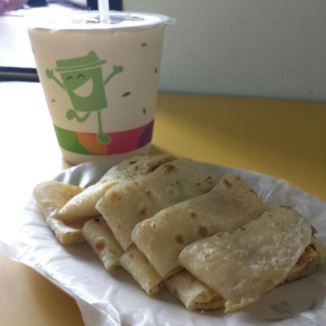 蛋饼(NT25) + 豆浆(NT20)