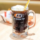 Finally trying A&W I'm Singapore (I know I'm Super late into the game).