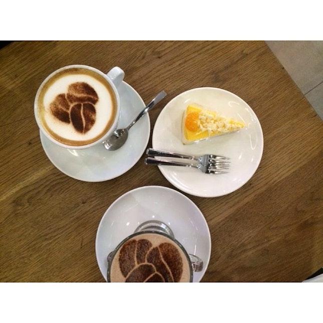 Breaky Monday holiday 💆☕️💗 #holiday #happy #costacoffee #singapore #vivocity #coffeeaddict #sgfood #sgfoodies #breakfast #mangocheesecake #igsg