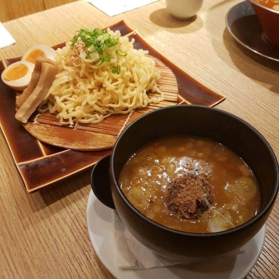 Japanese Cuisine 🍱🍙🍤🍶