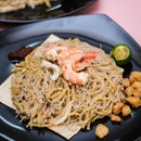 21-Year-Old Young Chap Opens Hawker Stall Selling Hokkien Mee