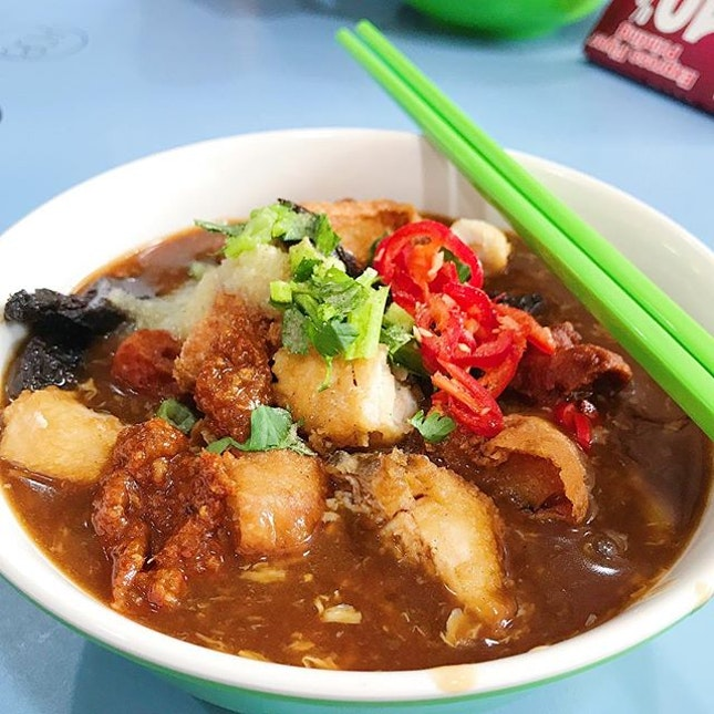 [AMOY ST] Tried the new lor mee stall in the hood cos it has accolades won displayed on its signboard.