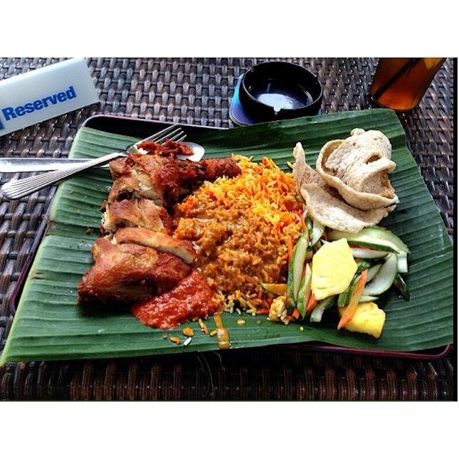 Download Lagu Goyang Nasi Padang 2: The Chamber Bar & Bistro (Capital Square)