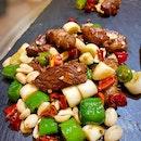 雪白椒綠炒和牛粒 Stir fried Wagyu Beef In Peppers, Leek & Garlic