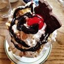 #holy #cow #sundae #icecream #hotfudge #yummy #food #foodie #foodporn #foodslut #instafood #instagram #newyork #nyc #travel #adventure