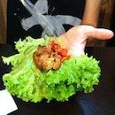 Kimchi, BBQ pork wrapped in veggie - Han Geun Doo Geun #onthetable