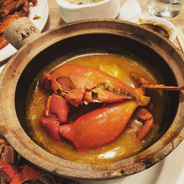 Slow Braised Pumpkin Crab in Claypot was the 💣💣💣 - best dish there!!!#getintomybelly .