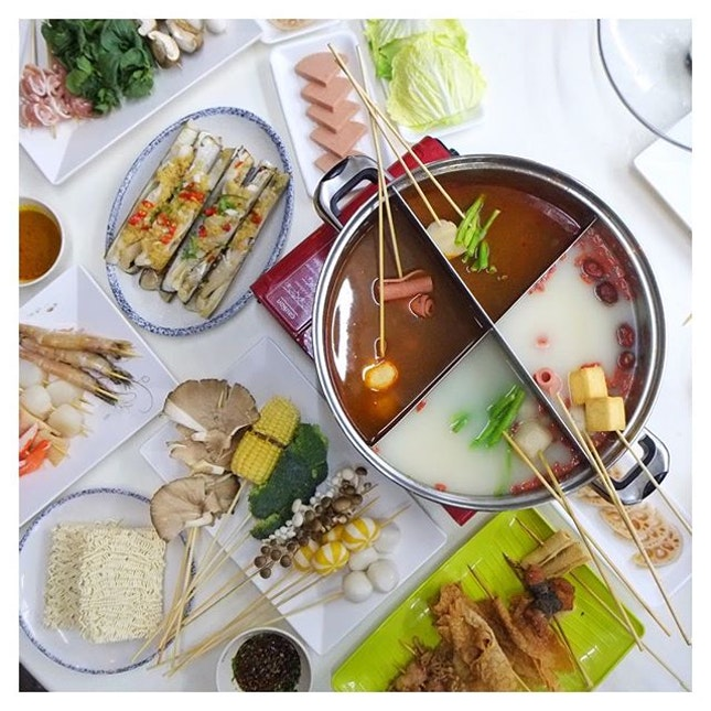 Something about the rainy weather & hot pots that always goes together.