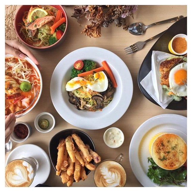 Located along Upper East Coast is The Royals Cafe, the older sibling of the cafe in the west, W39.