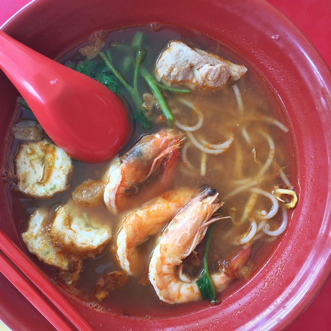 Signature Prawn Noodles Soup ($4)
