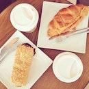 Our kind of comfort brunch here 🍴☕️🍳🍞 // #starbucks #instafood #brunch #vscocam