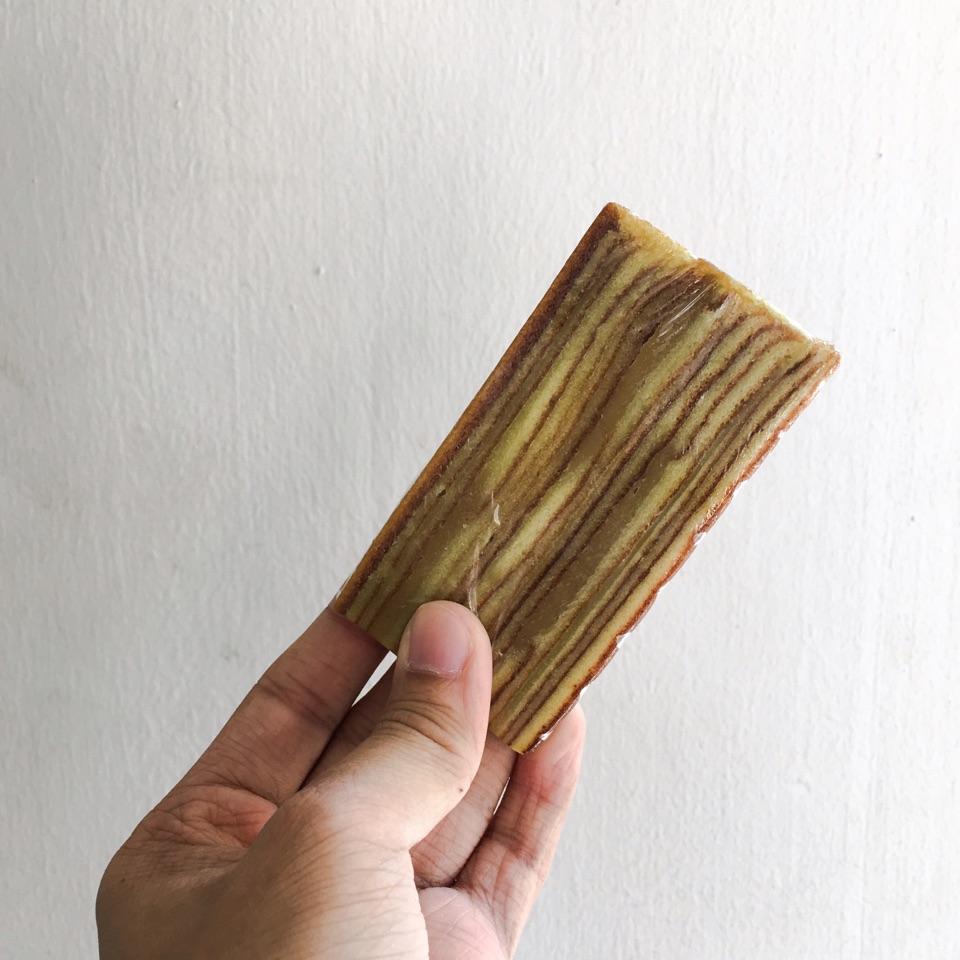 Lapis Kaya Slice