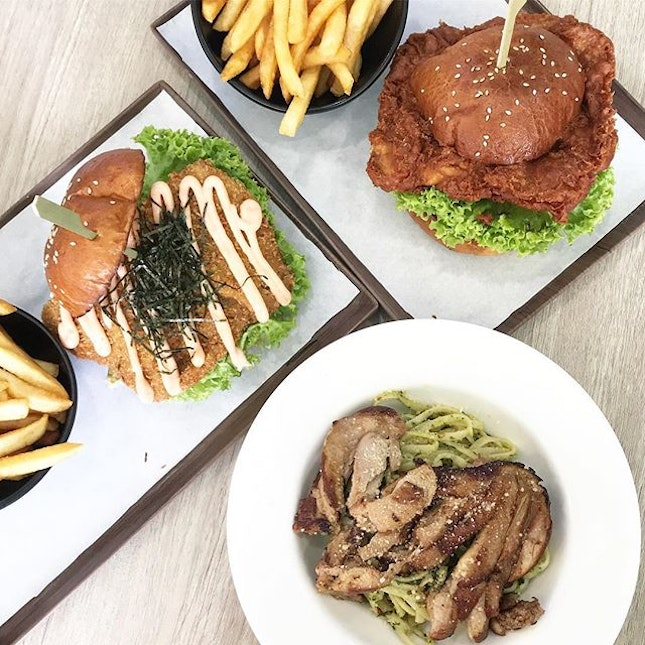 🍔 Mentaiko Millefeuille Katsu Burger ($16.80) + Har Cheong Gai Burger ($14.80) + 🍝 Grilled Chicken Pesto Pasta ($16.80) - Tough decisions every time I get to a place where I want everything!