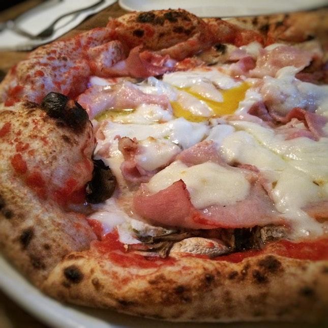 Bismark ($23) Tomato Sauce, Fior De Latte & Parmesan, Ham, Mushrooms