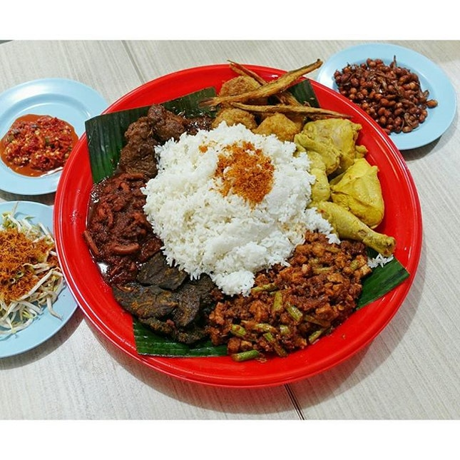 Nasi Ambeng Dulang for 4 pax.....