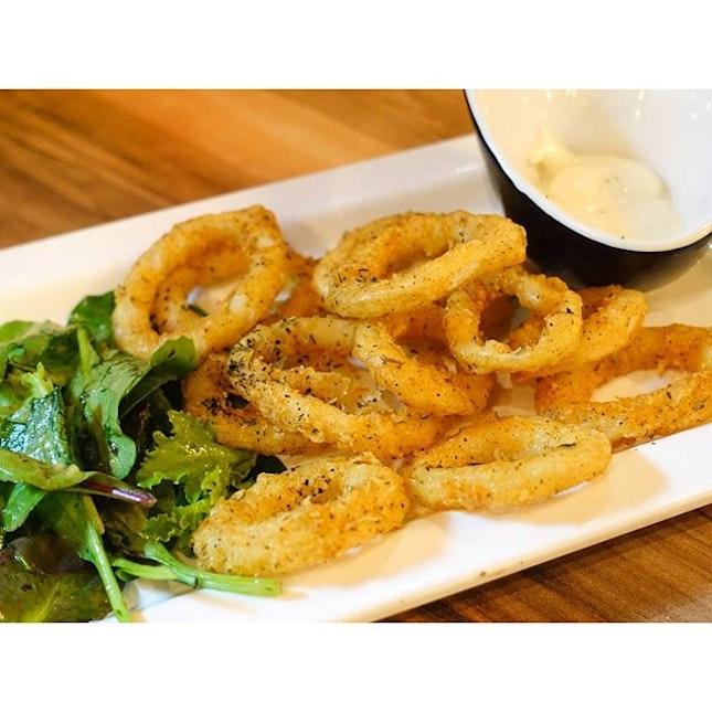 Blur Like Sotong ($10) : slightly overcooked thin squid rings wrapped in light, crispy golden batter.