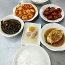 I didn't know this teochew porridge at katong existed, even though I may have taken bus passed this place a million times (blame it on punggol nasi lemak stealing the limelight.
