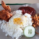 When I ate Lawa Bintang a few years ago, by myself (after a cycling expedition from  paya lebar all the way to bedok reservoir, then to this coffeeshop), my conclusion was that it was alright and I didn't really love the basmati rice used.