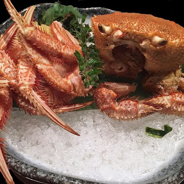 Because i love hairy crabs, so A decided to surprise me with hairy crab from Hokkaido.