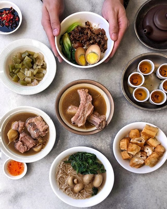 Traditional Bak Kut Teh at the 63-year old longstanding Ng Ah Sio store which specialises in Teochew peppery broth and kungfu tea to balance off.