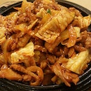 Dak-Galbi Stir-fried chicken with onion,cabbage in Gochujang(chilli paste) sauce with rice cake.