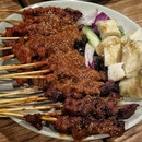 Throwback to our delicious satay and ketupat rice from @buffettownsg at @rafflescitysg.