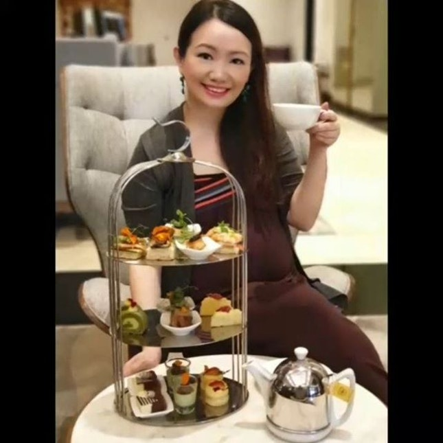 From now till 31 May 2019, Crossroads Bar's is offering us a 'Spring in Tokyo' Afternoon Tea experience which uses the finest seasonal ingredients to create exquisite delish creations.