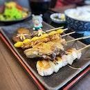 Yakitori set served with a dollop of miso for extra umami 😋 #poomsandpoms #foodies #sgfood #sgfoodies #sgeats #sgfoodporn #singaporefood #sgfoodtrend #eatmoresg #eatoutsg #foodinsing #yummyinmytummy #fatdieme #sgbars #bars #stfoodtrending #8dayseat #burpple #yakitori #izakaya #hibikisakebaranddine #plqmall #payalebarquarter #payalebar