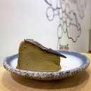 Loved this little oasis in the middle of the industrial area - the Hojicha Burnt Cheesecake was a good cheesecake with a subtle roasted tea flavour, but could've been a lot more melty.
